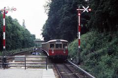 Once upon a time - Germany - West Berlin Bahnhof Frohnau (railasia) Tags: germany arrival sbahn eighties infra westberlin outofservice bvg thirdrail reinickendorf frohnau signaling routes2 baureihe275 viertelzug