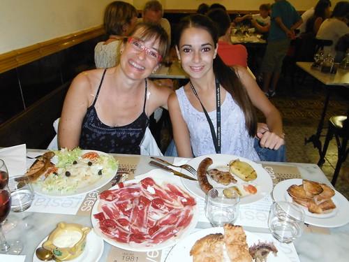 "Restaurant Can Punyetes, Sort <a style=""margin-left:10px; font-size:0.8em;"" href=""http://www.flickr.com/photos/141744890@N04/26299251376/"" target=""_blank"">@flickr</a>"