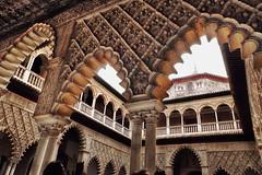 Real Alczar de Sevilla (Don Csar) Tags: espaa detail sevilla spain europa europe arches seville andalucia alcazaba arcos arabesque