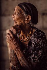 Grandma and her full sleeve traditonal tattoo (The Native Eye) Tags: grandma portrait wrinkles legacy oldage grandmothers storyteller traditionaltattoo kalingapeoples dekagan