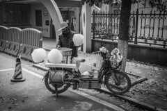 Cotton candy and motorcycle (Istvn Mez) Tags: china cottoncandy vendor wuhan