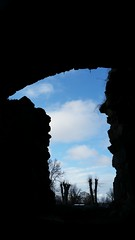 #iseefaces ;-) (explored 2016-04-24)    Looking out at  the sky - standing inside a church ruin (aselundblad) Tags: sweden sigtuna iseefaces churchruin stolof kyrkoruin fotosondag iskyn fs160424 stolofchurchruin
