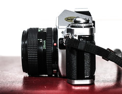 AV-1 (LARS THOMAS PHOTOGRAPHY) Tags: camera old analog canon vintage silver photography 50mm nice indoor retro depthoffield product 1979 productphotography av1 analogous 70d