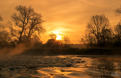 Good Morning World (ClaudiB.) Tags: sunset sun sunlight nature water fog wasser nebel sonnenaufgang sonnenstrahlen sonnenlicht