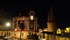 La Rochelle, maison du chat (thierry llansades) Tags: port mail 17 horloge larochelle charente poitou saintonge charentesmaritime charentes charentemaritime poitoucharentes aunis