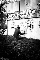 Street-1075 (Joe M. Photography) Tags: street city people urban blackandwhite white black graffiti blackwhite stuttgart strasse human 0711 streephotography stuggi strassenfotografie strasenfotografie