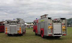 UCL 157R (1) & E906 AVL (Nivek.Old.Gold) Tags: bedford fire tl 1987 engine dodge 1977 k850