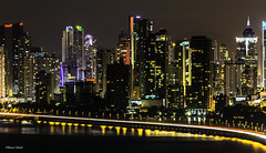 City Lights (Bernai Velarde-Light Seeker) Tags: ocean city sea night america lights noche mar edificios apartments pacific centro central apartamentos pacifico buidlings oceano velarde bernai corredorsur
