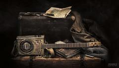 ABG-5311 (>>Marko<<) Tags: music home self diy guitar box map blues made national instrument dobro resonator harp ammo suitcase bottleneck hohner autofocus pocketknife musiikki kitara soitin patruunalaatikko