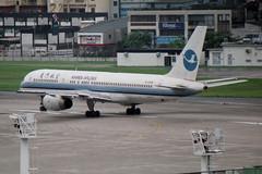 Xiamen Airlines Boeing 757-25C B-2828 (Kambui) Tags: airplane airplanes boeing 757 aviones avions flugzeuge  avies boeing757200 aeroplani kambui