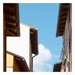 Tetti (Luca.Pietrobono) Tags: sky italy cloud tetti prospettiva