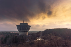 Apocalyptic sky (Down_BSC) Tags: winter sunset sky tower water robin moody hills millqvist