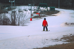 Red and White (A Great Capture) Tags: from above park blue winter red white snow toronto ontario canada ski sport night contrast dark kid photographer skiing child view dusk hill down canadian hills hour february slope northyork lifts on lhiver agc 2016 ald earlbales ash2276 adjm winterto ashleylduffus wwwagreatcapturecom agreatcapture