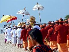 Odalan ceremony . (Franc Le Blanc .) Tags: bali beach indonesia lumix ceremony panasonic hindu pantai kuta odalan beautifulbali