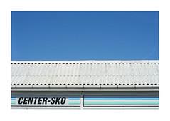 CENTER-SKO (csinnbeck) Tags: blue roof summer sky rooftop sign canon denmark eos 350d 50mm sommer skilt danmark sko eos350d 50mmf18 ef50mm18 sndervig centersko
