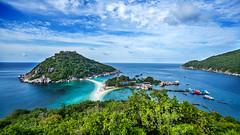 Nangyuan Island - Thailand (Lauren :o)) Tags: ocean blue sea sky beach clouds landscape thailand island paradise dive diving kohtao turtleisland nangyuan desertisland diveresort nangyuanisland