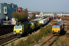 Double the power (James Passant) Tags: station train leeds railway trains 66 class southampton 70 freight trainspotting containers eastleigh freightliner intermodal 70017 70014 66077 4o90