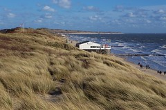 (juli_ei) Tags: strand canon meer wind himmel wolken fahne ef2470mmf28lusm dne frhling kste dnen wellen 6d windig eos6d