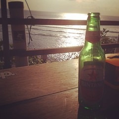 #indonesia #bali #uluwatu #bali #bintang #beer #coolraoul (djulinho) Tags: bali beer indonesia uluwatu bintang coolraoul uploaded:by=flickstagram instagram:venuename=uluwatubeach instagram:venue=216167647 instagram:photo=80344516196289895716134992