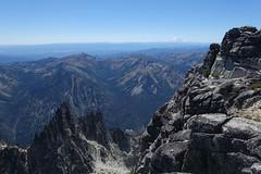 View from Little Annapurna (Sean Munson) Tags: mountains landscape washington hiking nationalforest mountrainier rainier mtrainier enchantments alpinelakeswilderness littleannapurna alpinelakeswildernessarea okanoganwenatcheenationalforest