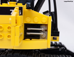 12_engine (LegoMathijs) Tags: road scale yellow john chains team model lego display technic dozer blade snot deere compact excavator moc 75g foitsop decalls legomathijs
