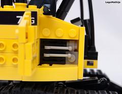 12_engine (LegoMathijs) Tags: road scale yellow john chains team model lego display technic dozer blade snot deere compact excavator moc 75g foitsop decalls legomathijs