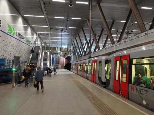 Rotterdam: Wilhelminaplein Metro Station