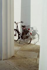 Fahrrad - Vienna (konceptsketcher) Tags: vienna street city film bicycle architecture analog 35mm canon photography lomography shadows ae1 iso 400 fahrrad 2016 konceptsketcher