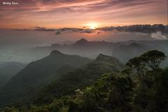 Serra da Estrela (Waldyr Neto) Tags: sunset serradaestrela petrópolis crepúsculo castelinho serradosórgãos meucastelo cloudsstormssunsetssunrises