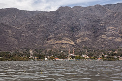 Mezcala (Eunice Gibb) Tags: lake mountains mexico waterfront jalisco sierra mezcala lakechapala mexicanmountains mountainsinmexico mexicanlake lakeinmexico mezcalawaterfront mezcalamountains