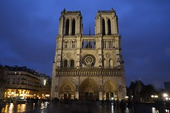 Notre Dame western facade (raewynp) Tags: paris france rain architecture facade cathedral dusk gothic notredame iledelacite frenchgothic