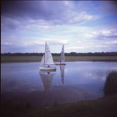 Boats at Port Meadow (breakbeat) Tags: water mediumformat reflections river boats holga sailing oxford jericho e6 portmeadow summer2015 holgass18