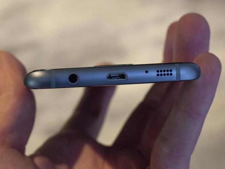 សមត្ថភាពដ៏អស្ចារ្យទាំង 10 ដែល Galaxy S7 និង S7 Edge ធ្វើបានតែ iPhone គ្រប់ជំនាន់មិនអាចធ្វើបាន!