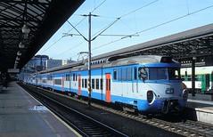 451 059  Praha - hl. n.  21.05.05 (w. + h. brutzer) Tags: analog nikon cd railway zug trains tschechien locomotive slowakei lokomotive elektrisch zsr triebwagen triebzug prahahln webru