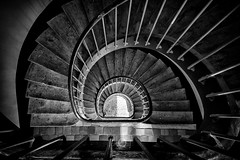 Ascenseur social (CrËOS Photographie) Tags: france architecture spiral perspective stairway staircase minimalism fr escalier spirale picardie graphisme guise graphism minimalisme