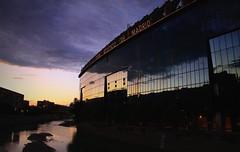 Estadio Vicente Caldern - Madrid (Garciamartn) Tags: madrid espaa atardecer europa estadio nubes reflejo futbol nino crepsculo manzanares atlticomadrid garciamartn