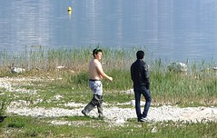 fishermen at the lake (memo52foto) Tags: boots booted rubber gummi waders rubberboots gummistiefel bottes botas bota stiefel stivali galochas stivalidigomma stivaloni botasdegoma wathosen bottesdecaoutchouc botteux gummiwatstiefel stigvel galotses stivalare