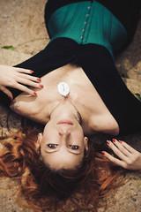 Mia (Francine Oliveira - Folli Photo) Tags: book dress retrato medieval sensual redhead mia corset ruiva suicidegirl feminino externo alternativa