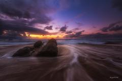 Barrika Sunset (El color del cristal) Tags: light sky paisajes luz landscape agua rocks waves playa paisaje arena cielo nubes olas rocas paisvasco barrika basquecountri