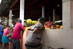 Informal business/Negcios informais (Raoni Coriolano) Tags: brazil frutas colors fruits market streetphotography photojournalism feira business mercado bananas cear nordeste serto documental fotojornalismo freemarket 2015 feiralivre comrcio sigma35mm crates canon6d