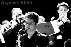 New York Youth Symphony Jazz Band (Rogerio Stella) Tags: show new york stella bw music white black branco youth portraits matt banda photography photo concert nikon photographer tour song retrato live stage gig performance band jazz pb preto rogerio portraiture idol instrument fotografia documentation venue instruments msica ensemble symphony saxophone palco holman fotojornalismo dolo 2016 apresentao saxofone documentao documentarist 17member nyys brasswindandpercussion