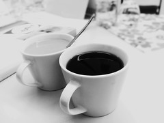 Take a Rest (mabumarion) Tags: two bw white black coffee kaffee indoor cups paare 52wochenfotochallenge