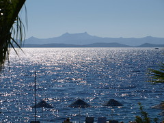 P8102408 (Franck D117) Tags: mer turquie parasol contrejour bodrum couchdesoleil
