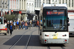 Hermelijn 6305, Korenmarkt, Ghent (Tetramesh) Tags: belgium belgique belgie belgi tram ghent gent gand flanders belgien belgio delijn blgica gwladbelg vlaanderen oostvlaanderen 6305 belgia leiestreek blgica eastflanders belga belika belgicko beija belgija belgjik belju blxica anbheilg  tetramesh b    ubelgiji