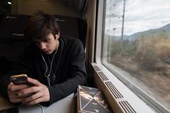 (francescambrosi) Tags: trip portrait window train reading book la brother ritratto treno viaggio fratello finestrino spezia