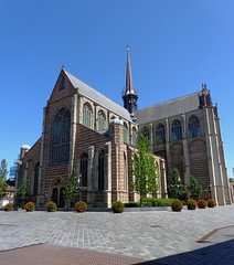 GOES NL 2015 OUR FAVORITE PLACE_ONZE LIEVELINGSSTAD (hosentrger i.R.) Tags: holiday holland church vacances maria bluesky calm chiesa goes summertime antico ferien kerk vacanza belfort sunnyday niederlande vacantie vorplatz summerday bloempot pflastersteine ruhe kirchplatz kleinstadt hausfassade blumenkbel mariamagdalenakerk gepflegt caseantiche flowerbucket stadshaven lieblingsort magdalenakerk juni2015 bbgoes fleurseau dutcholdbuildings altehollndischehuser