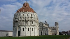 Pisa - Piazza dei Miracoli (phabrjce_ITA) Tags: italy amazing italia torre symbol pisa tuscany duomo toscana battistero italie baptisterio torrependente piazzadeimiracoli torredipisa pisatower