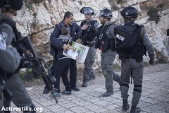 Protest calling to return the bodies of Palestinians held by Israeli police, Jerusalem's old city, 26.12.2016 (activestills) Tags: youth children jerusalem protest police demonstration oldcity arrest shahid occupation eastjerusalem policeviolence topimages faizaburmeleh
