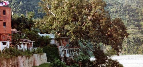 Babaji-herakhan-ashram-slider-1280