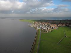 Marken 08-01-16 (2) (de kist) Tags: thenetherlands aerial kap marken waterland markermeer gouwzee markendijk markenhavenbuurt markenkerkbuurt